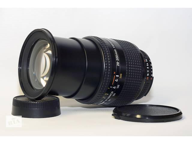 бу Nikon AF Nikkor 28-200mm 1:3.5-5.6D в Новограде-Волынском