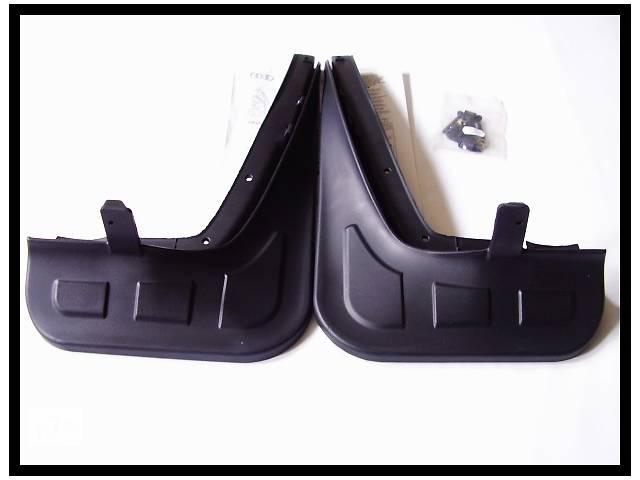 купить бу Новые Оригінальні брызговики Передні 4Z7075111 Audi A6 Allroad 2000-2005  в Львове