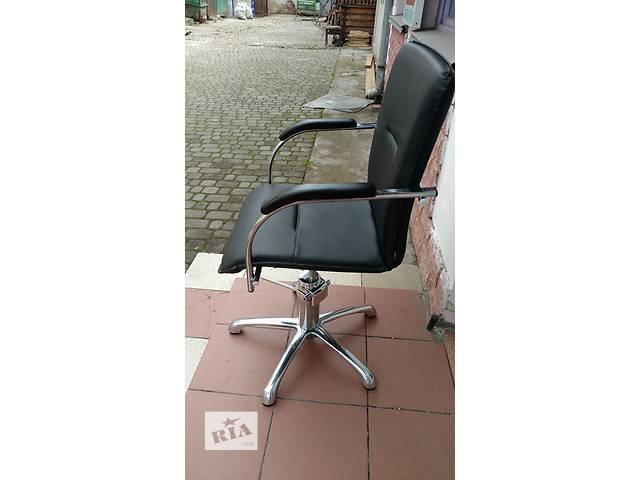 купить бу Кресло парикмахерское Кресло парикмахерское в Ивано-Франковске