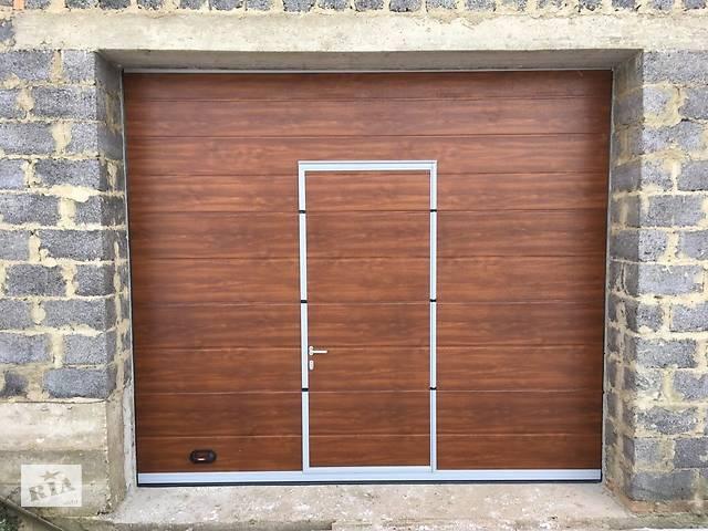 продам Секційні гаражні ворота з вбудованою хвірткою. бу в Ужгороде