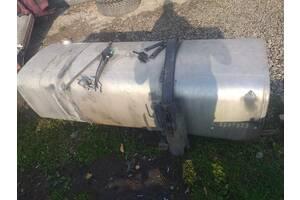 паливний бак  б/у  для Daf  105XF  870 лт. з кронштейнами