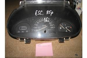 б/у Панели приборов/спидометры/тахографы/топографы Ford Fiesta