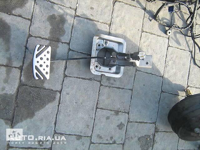 продам Педали тормоза и сцепления, Stop Lamp Switch для Mitsubishi Outlander бу в Львове