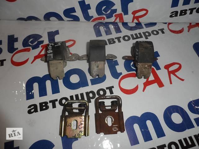 купить бу Петли замок подвес розпашной двери на Рено Мастер Renault Master Опель Мовано Opel Movano 2003-2010 в Ровно