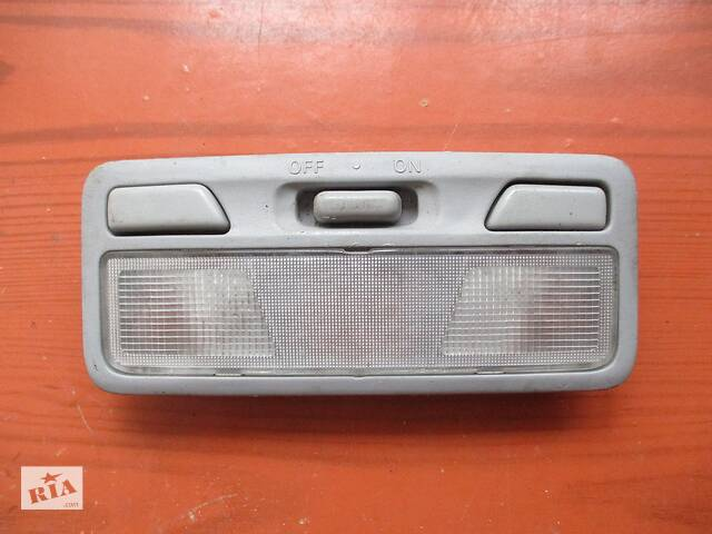 купить бу Плафон, светильник салона передний MR330450, MR330803 (67464205) Outlander1 Mitsubishi в Киеве