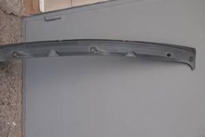пластик під лобове скло для Renault Trafic 1996рв на рено трафік опель арена пластик під стекло ціна 750гр не битий