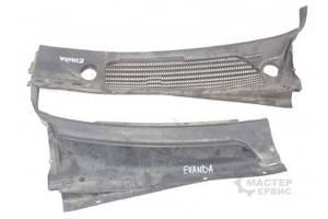 б/у Пластик под лобовое стекло Chevrolet Evanda