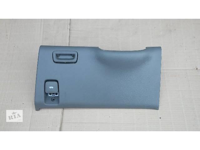 купить бу Пластик под рулевой колонкой (в сборе) для Chevrolet Evanda 2004-06 в Тернополе