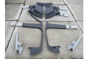 пластик салону карти в багажник фольксваген туран  Вживаний пластик салону для Volkswagen Touran 2005