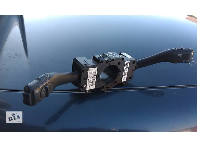 купить бу  Подрулевой переключатель для легкового авто Audi A6 98-05 г. в Костополе