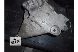 б/у Подушки мотора Volkswagen Golf V