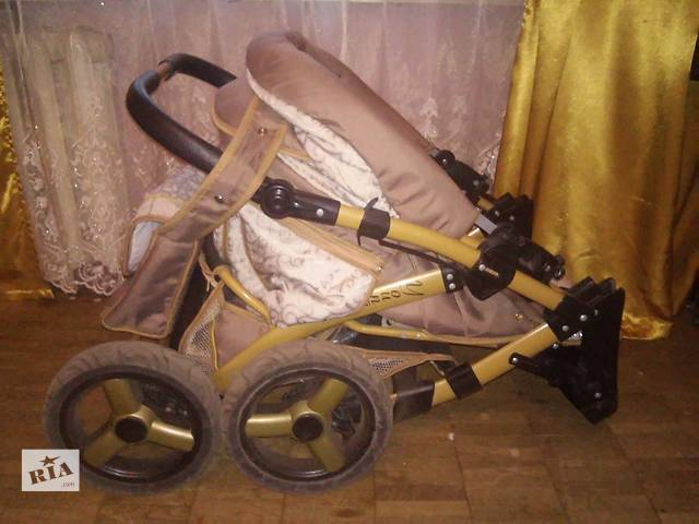 купить бу Продаем коляску-трансформер в отличном состоянии!!!!!!!!!!!! в Киеве
