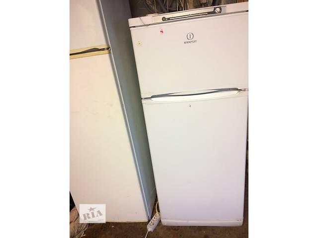 купить бу Продам б/у холодильник Indesit в Киеве