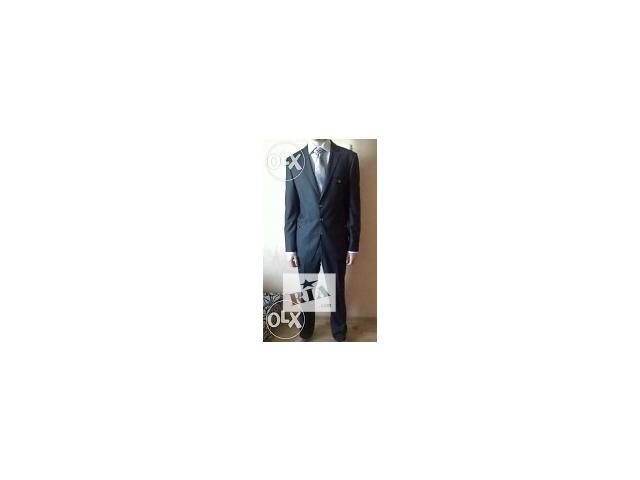 продам фирменный костюм- объявление о продаже  в Джанкое