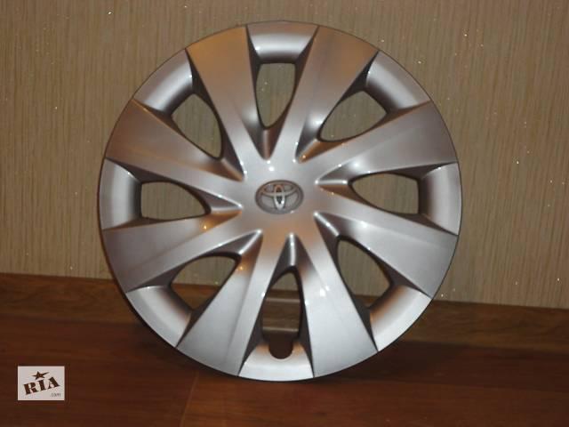 купить бу Продам Оригинальные колпаки Toyota Yaris (Тойота Ярис) R15 Оригинал 42602-0D200 в Киеве