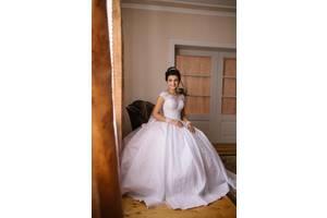 Весільні сукні недорого - купити сукню на весілля бу в Рівному 4514a1ecf55af