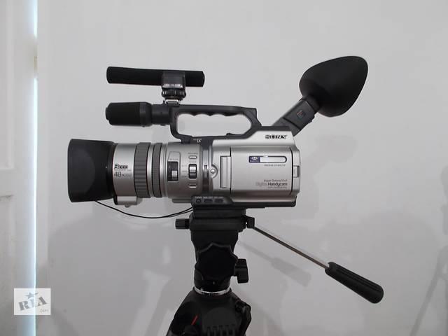 продам Продам видеокамеру Sony DCR-VX2000E и штатив VANGUARD. бу в Львове