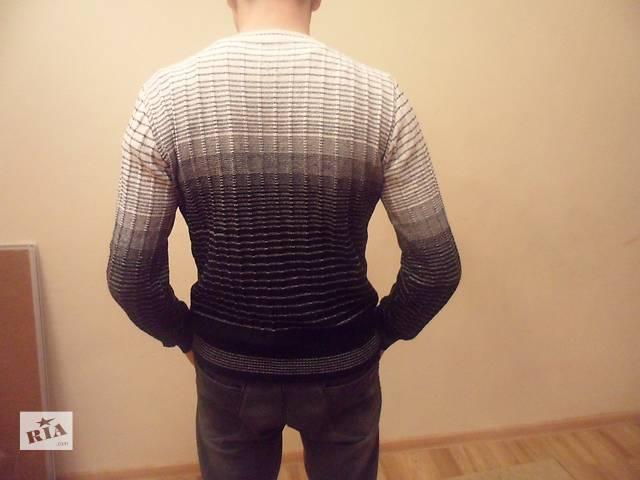 бу продаю светр в Броварах