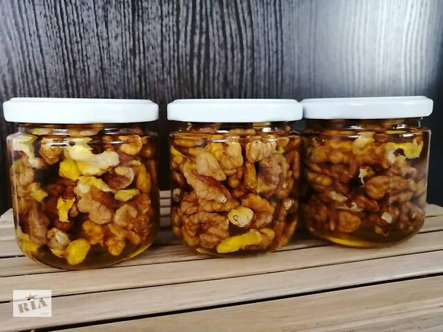 купить бу Мед с грецкими орешками в Шепетовке