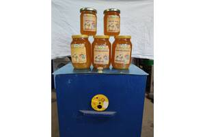 Продам натуральни мед зі своєї пасіки. 120 грн.