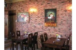 В Ресторан Влади на троещине срочно требуется официант!!!