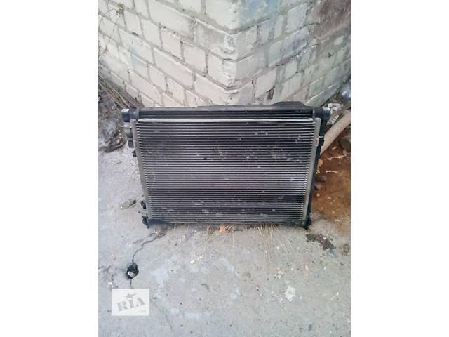 купить бу Радиатор на Renault Trafic, Opel Vivaro, Nissan Primastar в Ровно