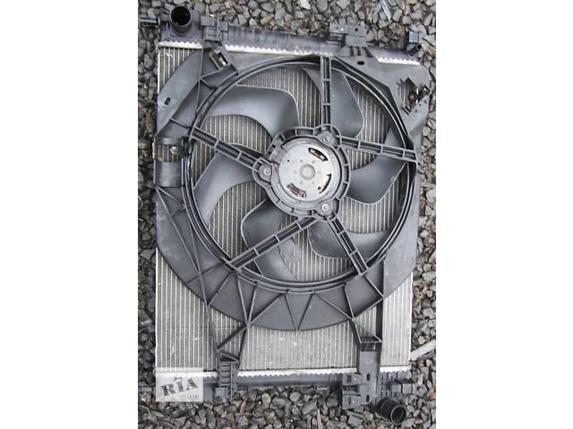 продам Радиатор охлаждения основной, радіатор основний 2.5 Nissan Primastar Ниссан Примастар Opel Vivaro Опель Виваро Renault бу в Ровно