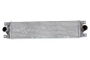 Радиатор интеркуллера 03- 2.2DCI ns rn,2.5DCI rn,3.0DCI rn RENAULT Master 98-10; ОЕ:7701057121 RENAULT Master 98-10 R...