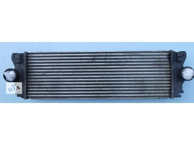 купить бу Радиатор интеркуллера 2.2 CDi Mercedes Sprinter 906 315 2006-2012г в Ровно