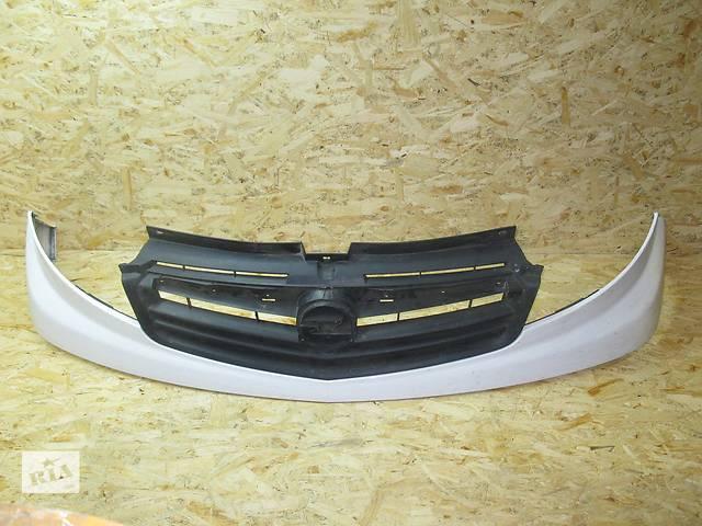 продам Решетка радиатора c 2007 Opel Vivaro  c 2007 (2000-……)  бу в Львове