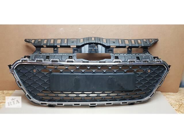 Решетка радиатора  HYUNDAI I20 86569-C8020  под заказ 3-5дн- объявление о продаже  в Стрые