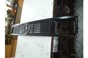 б/в грати радіатора Mercedes 410