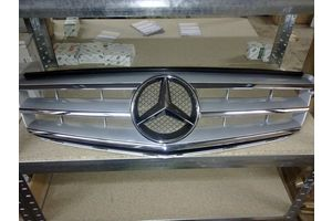 Новые Решётки радиатора Mercedes C-Class