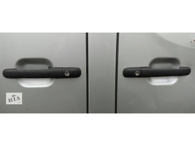 купить бу Ручка боковой сдвижной двери 2.2, 2.7 CDi Mercedes Sprinter 903, 901 (96-06гг) 208 - 616 в Ровно