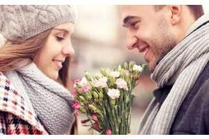 Привітання дівчині на День весни та кохання