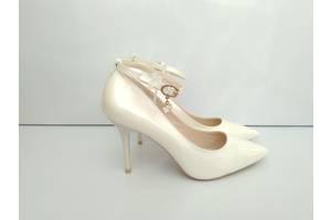 Туфлі Рівне - купити або продам Туфлі (Туфлі) в Рівному недорого на RIA ed79b3488d573