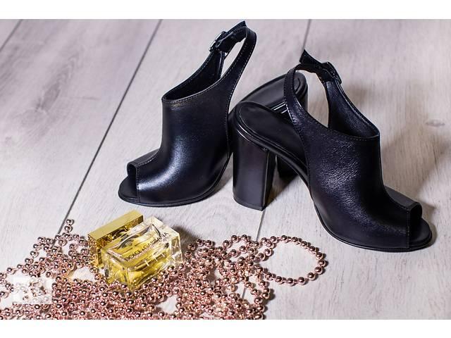 Прямые поставки женской кожаной обуви Christina - Женская обувь в ... 913764ac356