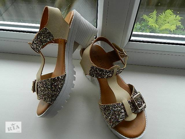 7b2bb54a4bb564 Шикарні босоніжки. Шкіра. 36-41р - Жіноче взуття в Черкасах на RIA.com