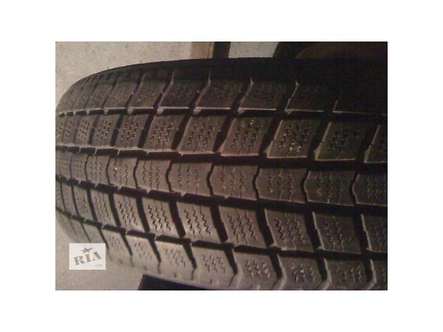 продам Шины б/у Roadstone зима 185/60 R15C 2шт бу в Киеве