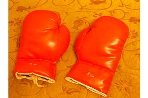 б/в Боксерські рукавички
