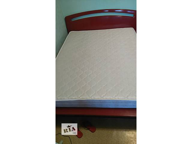 Срочно продам бу кровать 200*220, с ортопедическим матрасом 1800*2000мм!- объявление о продаже  в Киеве