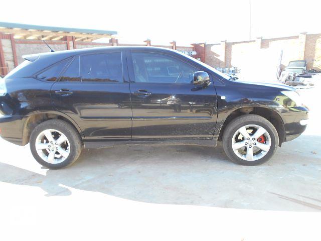 продам Стекло в кузов для Lexus RX300 2003 бу в Львове