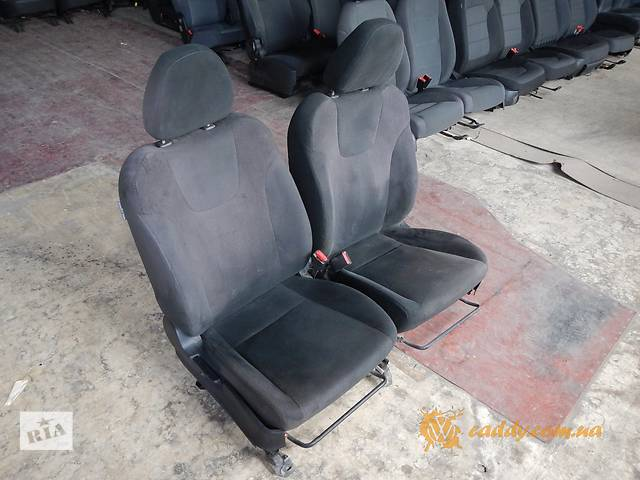 купить бу Subaru Impreza - передние сиденья в Киеве
