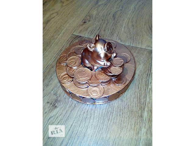 Сувенир свинья на монетах- объявление о продаже  в Херсоне