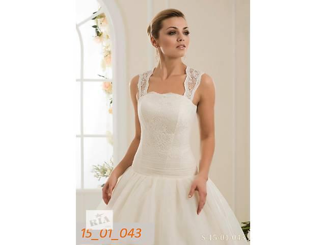 купить бу Свадебное платье 42 размера, пышное в Киеве