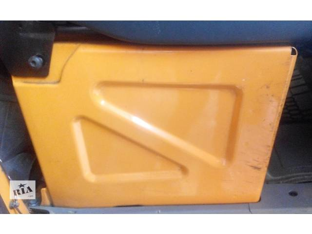 купить бу Тумба под сиденье, сидіння Mercedes Sprinter 906 903 ( 2.2 3.0 CDi) 215, 313, 315, 415, 218, 318 (2000-12р) в Ровно