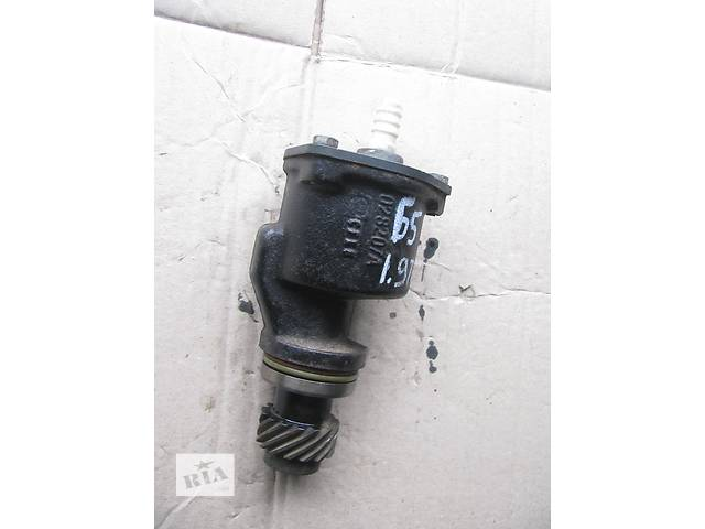купить бу вакуумный насос для Volkswagen Passat B5, 1.9tdi, 1998, 028207A в Львове
