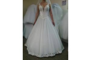 ed01f10179ed87 Весільні сукні недорого - купити сукню на весілля бу в Рівному