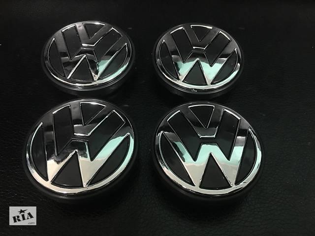 купить бу Volkswagen Passat B7 2012-2015 гг. Колпачки в титановые диски (4 шт) Турция, 56 мм (внутр.) в Черновцах