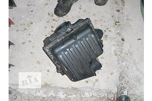 б/у Корпуса воздушного фильтра Volkswagen Sharan